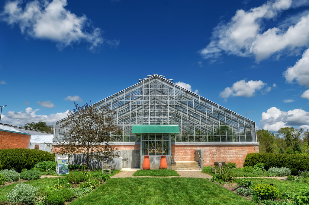 Conservatory in Matthaei Botanical Gardens / 花園中的溫室