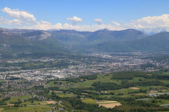 Chambery (gasdub) Tags: city france mountains alps montagne alpes de europe view pass des vista alpen chambery savoie region alpi vue col blick ville chaine rhone massif bauges epine