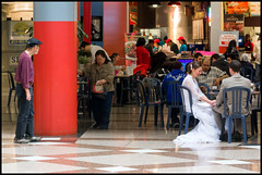 Happily Ever Foodcourt (Andy Marfia) Tags: chicago couple married dress loop iso400 marriage f8 thompsoncenter footcourt 130sec d7100 1685mm