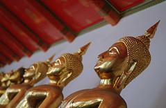 Golden Buddhas [EXPLORE] (Oliver J Davis Photography (ollygringo)) Tags: sculpture art thailand temple gold golden asia southeastasia bangkok religion statues buddhism wat buddhas watpho rattanakosin phranakhon oliverdavisphotography oliverjdavisphotography