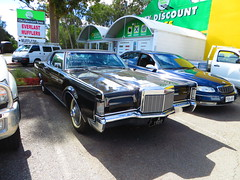 1969 Lincoln Continental Mark III (RS 1990) Tags: blue ford 1969 sedan engine 4th continental lincoln april adelaide friday import southaustralia rare coupe 2014 uncommon 2door markiii teatreegully ridgehaven crashrepairs goldengroverd