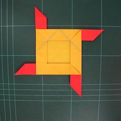 สอนวิธีพับกระดาษเป็นดอกกุหลาบ (แบบฐานกังหัน) (Origami Rose - Evi Binzinger) 011
