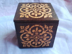 Caixa de madeira / Wooden box (spiritofthewood75) Tags: arte handmade artesanato medieval celtic artesania celta woodburning triskel py