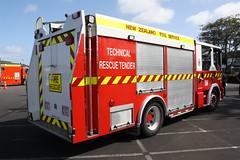 CKT 780 (ambodavenz) Tags: newzealand fireengine fireappliance dennis sabre tankerengineering technicalrescuetender newzealandfireservice papatoetoe southauckland