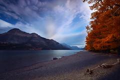 Autumn at Lake Waterton (lfeng1014) Tags: lakewaterton watertonnationalpark alberta canada canon5dmarkiii ef1635mmf28liiusm autumncolours autumn mountain vimypeak cloud travel lifeng