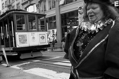 woman in elf costume, Union Square (vhines200) Tags: sanfrancisco 2016 cablecar elf unionsquare