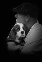 _,,- (dagomir.oniwenko1) Tags: woodhallspa westlindsey street style sigma candid canon canoneos60d blackandwhite bw men male man mono dog animals england edis08edis08 eyes portrait person portret