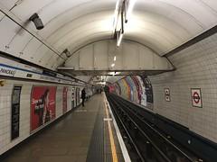 King's Cross St Pancras Underground station (looper23) Tags: kings cross st pancras victoria line tube underground platform london november 2016