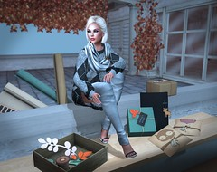 Present Wrapping - Yes, This Early (lauragenia.viper) Tags: catwa hudsons imageessentials insol izzies laboheme lostfound lumipro maitreya rezology serenitystyle slipperoriginals thecrossroads we3roleplay welovetoblog secondlife secondlifefashion argyle gifts giftboxes christmas wrap blond blonde avatar