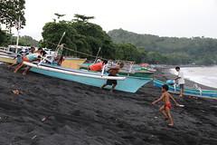 Départ pour la pêche - Batuputih (Sulawesi) (happybirds.ch) Tags: sulawesi batuputih plage bateau pêcheurs indonésie