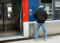 Y A PAS ECRIT INTERDIT DE PISSER (nARCOTO) Tags: paris pee saint train gare pissing pipi sncf lazare transilien