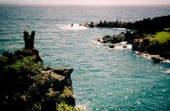 The middle of nowhere and everywhere (laura lydia) Tags: lauralydia holga film holga135 maui mauihawaii hana hanahawaii summer ocean sea sky land paradise island shoreline
