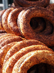 Simit - traditional turkish bagels (Igor Golovnov) Tags: food turkey bread market many background sesame traditional grain tasty grand istanbul fresh delicious crisp bakery snack meal bagel pastry sweets served treat taste variety delicate streetfood crunch culinary variation turkish baked streetvendor izmir bakedgoods nutrition simit prepared nicesmell appetizing turkei palatable delikatesse cakesandpastries bazzarr