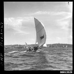 18-footer CAP under sail on Sydney Harbour