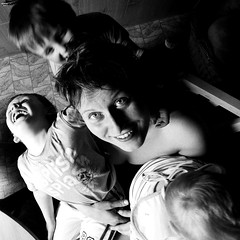 busy aunt (I.Dostl) Tags: family children kid movement dynamic fast aunt flickr12days
