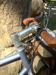 IMG_5364 (Kaptain Amerika) Tags: bike bicycle bag paul cycling stream tour steel rando bikes riding podium acorn thomson noodle rough velocity quasimoto touring ultegra brooks synergy m12 boxy nitto chrisking shimano sogn canti camelbak randonneur sugino mks tektro randonneuse dtswiss 650b rawland campeur chromoly monstercross cyclotouriste pacenti retroshift rsogn cyclocult randocross 650beast
