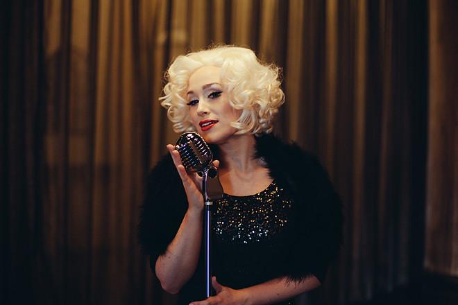 Blonde_365