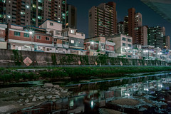 Streamside At Night (Yoonki Jeong) Tags: house reflection water night apartment nightscape nightshot korea seoul nightscene nightview             jeongneungstream jeongneungcheon