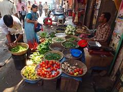 Mumbay - Street market (sharko333) Tags: voyage travel portrait people woman india m