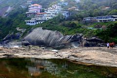 Itacoatiara - Niteri - Rio de Janeiro (mariohowat) Tags: praia riodejaneiro natureza reflexos niteri regioocenica praiadeitacoatiara mygearandme mygearandmepremium mygearandmebronze mygearandmesilver
