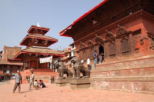 "d1 - Kathmandu - Durbar Square (19) <a style=""margin-left:10px; font-size:0.8em;"" href=""http://www.flickr.com/photos/125852101@N02/17876358585/"" target=""_blank"">@flickr</a>"