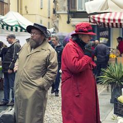 Disagreement (luciano_campani) Tags: market street mercato strada domodossola people persone italia italy
