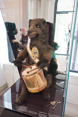 1625 mechanical drumming bear (quinet) Tags: 2014 bär dresden germany mathandphysicsmuseum mathematischphysikalischersalon royalcabinetofmathematicalandphysicalinstruments saxony uhr zwinger automata automaton bear clock horloge ours