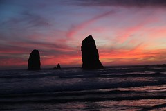 IMGL5638 (komissarov_a) Tags: cannonbeach haystackrock oregoncoast 101 formations tidepools sunsets spectacular ocean viewpoints rocks attraction tides running hiking skyhigh scenic pacific west surprise beautiful sandy shoreline perfect wonderland remarkable refreshing unbeatable stunning scenery unforgettable vistas naturalareas komissarova streetphotography rgb canon 5d m3 color rainforest downtown paradise dramatic enjoyable landscapes famous nationalgeographic magazine picturesque sidewalks artgalleries specialtyshops restaurants oneoftheworlds100mostbeautifulplaces