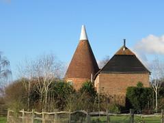 UK - Kent - Near Hildenborough - Oast House (JulesFoto) Tags: uk england kent capitalwalkers ramblers hildenborough oasthouse