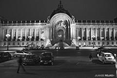 petit palais vu du GRAND palais (whoanse) Tags: white black paris france architecture french grand palais petit grandpalais petitpalais