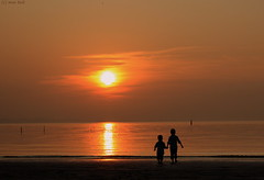 The 2 brothers (martijntuit) Tags: sunset sea water eos zonsondergang colours nederland lonely lucht luchten voorne 1000d dezefotohebikeentijdjegeledengemaakt
