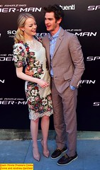 andrew garfield and emma stone 2012-06-22 cuddle on the red carpet in Spain Premiere (Jaclyn Diva) Tags: celebrity emmastone spidermanmovie andrewgarfield theamazingspiderman jaclyndiva celebrityromance