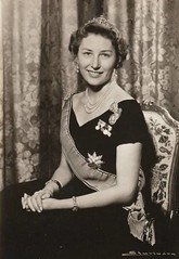 Princess Astrid of Norway (Miss Mertens) Tags: oslo norway norge king princess postcard royal norwegen prince queen rey kung re kaiser regina reine royalty monarchy cartolina adel oldfashioned roi prinz royalfamily knig dronning postkarte principe knigin principessa prinzessin monarchie monarchia kaiserin picturecard koningshuizen casareale familleroyal