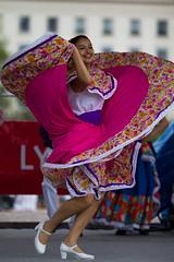 Danse mexicaine (Claude Schildknecht) Tags: france dance europe place lyon places danse mexique bellecour fêtes consulaires