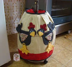 cApA de Botijão...cocós.... (Ma Ma Marie Artcountry) Tags: chicken de galinha country capa patchwork cozinha cocós botijão galinhacountry galinhaemtecido