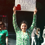 Abrazos Gratis - Free Hugs - Josefina thumbnail