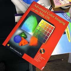 Apple Computer, Advanced Color Imaging on the Mac OS (Damian Cugley) Tags: summer england book retro cover oxford bookshop oxfam computerhistory applemacintosh oxfambookshop macos8 2013 dustbinofhistory