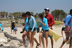IMG_8762 (Streamer -  ) Tags: ocean sea people green beach nature students ecology up israel movement garbage sunday north group young cleanup clean teen shore bags  nonprofit streamer  initiative enviornment    ashkelon          ashqelon   volonteers      hofit
