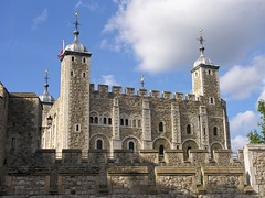 The White Tower (jere7my) Tags: greatbritain vacation england london castle history unitedkingdom treasury historic prison fortress englishhistory toweroflondon whitetower 1066 2014 royalmint thetoweroflondon crenelations oldstone hermajestysroyalpalaceandfortress