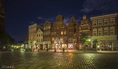 ... am sande (manfred-hartmann) Tags: roterosen lneburg lichtzauberwerk lg nacht night stadt city