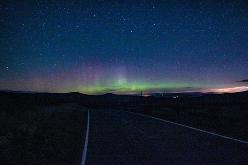 Autumn Aurora First Aurora of the season, yey! Was having a lazy PJ day thinking I'd missed this week's activity so only caught the end of this! Haha.   #aurora #northernlights #beautiful #cairnomount #aberdeenshire #beautifulscotland #visitaberdeen #visi