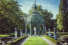 Paris (24) (maxime.piednoir) Tags: paris france chantilly chateau parc green kiosque fountain fontaine nikon d3200 45mm vintage
