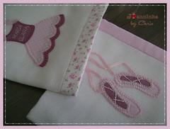 Bailarina (Joanninha by Chris) Tags: handmade feitoamo bordado baby beb bailarina artesanato aplicaodetecidos panosdeboca patchwork enxovalbebe enxovalmenina