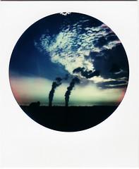 (Martin PEREZ 68) Tags: tarnetgaronne golfech nuage nuve color couleur cloud cielo ciel centralenuclaire polaroid impossibleproject impossible instantfilmcolor instantan nuclearpowerplant nuclear midipyrnes