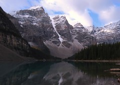 Moraine Lake (Larry Myhre) Tags: moraine lake mountains banffnationalpark alberta canada rockymountains canadianrockies valleyofthetenpeaks bcalbertasept2016