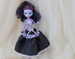 Black and lilac custom MH dress (ceressiass) Tags: monsterhigh monster high matel doll violet black lilac lavender dollclothing clothing clothes dress long princess corset lace dark gothic pastel pastelgoth handmade etsy shop selling ceressbjdclothes jane boolittle