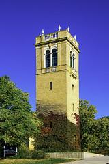 Memorial Carillon Tower (woodchuckiam) Tags: memorialcarillontower carrillon universityofwisconsinmadison tower windows sky trees vines bells scenic building woodchuckiam