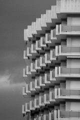 BUILDING PERSPECTIVE (PAlquier) Tags: building street bnw blackandwhite light bw nikon d5500 150 f32 iso110 200mm