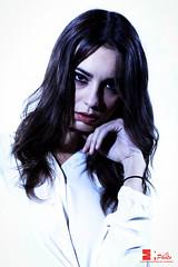 -She's got The look- (Michele Rallo   MR PhotoArt) Tags: michelerallomichelerallomrphotoartemmerrephotoartphotophotographyfotofotografiafotografiaarteartistaartivisivefotograforomaromaromeromeitaliaitalyartistaartisti model modella woman donna ragazza girl posa studio sala michelerallomichelerallomrphotoartemmerrephotoartphotopho