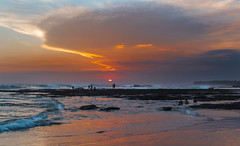 the beauty of bali sunsets (maikepiel) Tags: sunset sonnenuntergang abend evening sun sonne colours farben sky himmel clouds wolken bali canggu indonesia indonesien beach strand meer ocean sea silhouettes landscape seascape landschaft